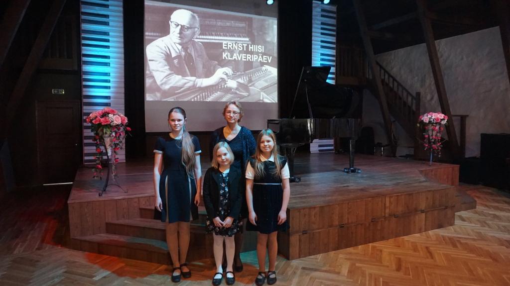 Helivõlu õpilased Luunjas Ernst Hiisi klaveripäeval 12.04.2019